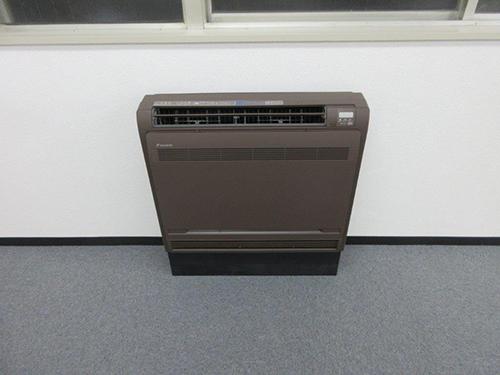 床置形ハウジングエアコン設置