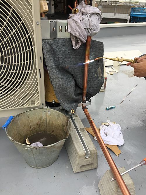 配管溶接作業の様子