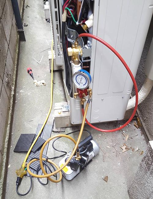 配管などの接続作業