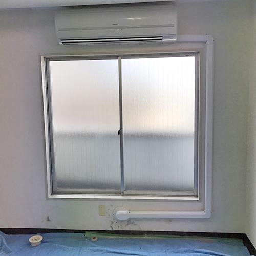壁掛形の室内配管