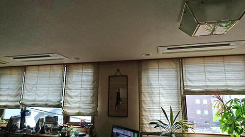 ワイドパネルで対応した埋込み型エアコン