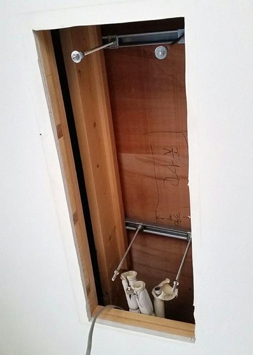 屋上へのラッキング加工配管