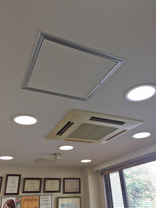 既存の床置形エアコン