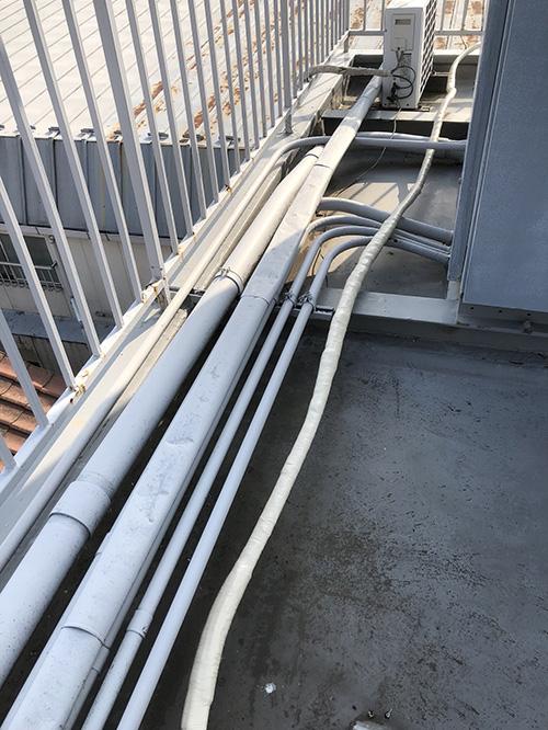 屋上の配管