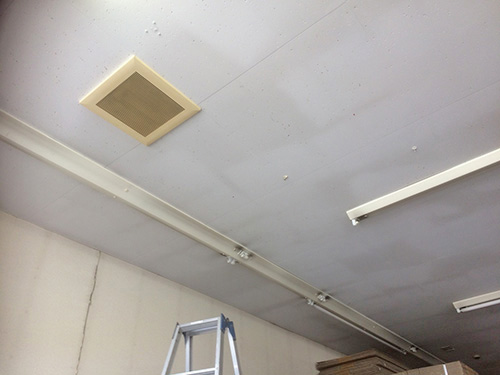天井吊形設置場所