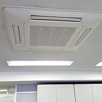 千代田区のテナントビルにて天カセ形4方向エアコンの入替え【業務用エアコン】