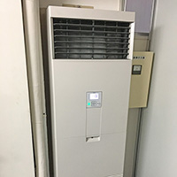 東京都中央区のテナントビルにて業務用床置型エアコンの入替え工事【パッケージエアコン】