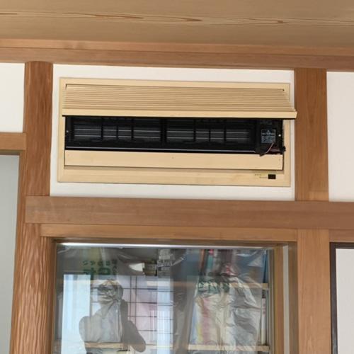 東京都江戸川区の戸建てにて壁埋め込み形エアコンの入替え工事【ハウジングエアコン】