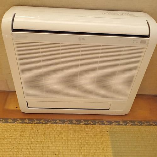 埼玉県草加市のマンションにて床置形マルチエアコンの入替え工事【ハウジングエアコン】
