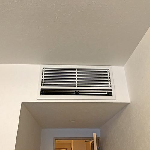 東京都杉並区のマンションにて三菱電機製壁埋込形エアコンの入替え工事【ハウジングエアコン】