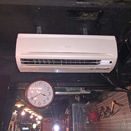 東京都港区の飲食店にてダイキン製壁掛形エアコンの入替え工事【業務用エアコン】