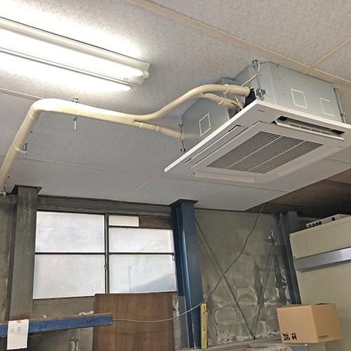東京都西東京市の倉庫にて東芝製天井埋込形4方向エアコンの新設工事【業務用エアコン】