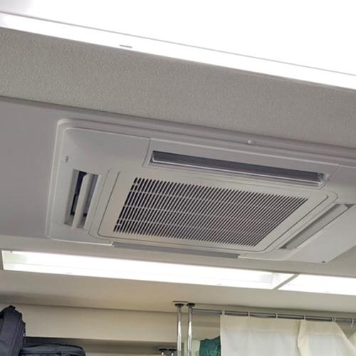 東京都港区のテナントビルにて日立製天井カセット形4方向エアコンの入替え工事【業務用エアコン】