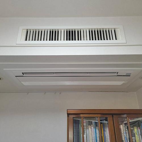東京都大田区のマンションにてダイキン製天井埋込カセット形1方向エアコンの入替え工事【ハウジングエアコン】