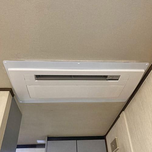 東京都杉並区のお客様宅にてパナソニック製天井カセット形1方向エアコンの入替え工事【ハウジングエアコン】