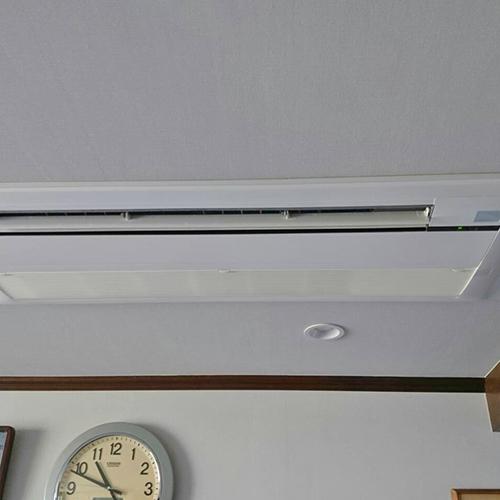 東京都品川区の戸建てにてダイキン製天井カセット形1方向エアコンの入替え工事【ハウジングエアコン】