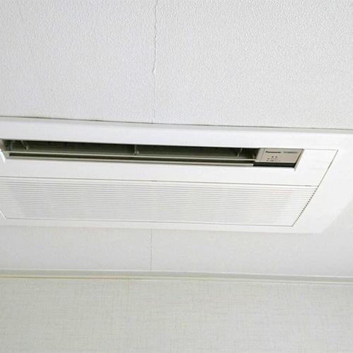 東京都目黒区の一戸建てにてパナソニック製天井カセット形1方向エアコンの入替え工事【ハウジングエアコン】