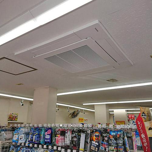 東京都台東区のコンビニエンスストアにて東芝製天井カセット4方向形エアコンの入替え工事【業務用エアコン】